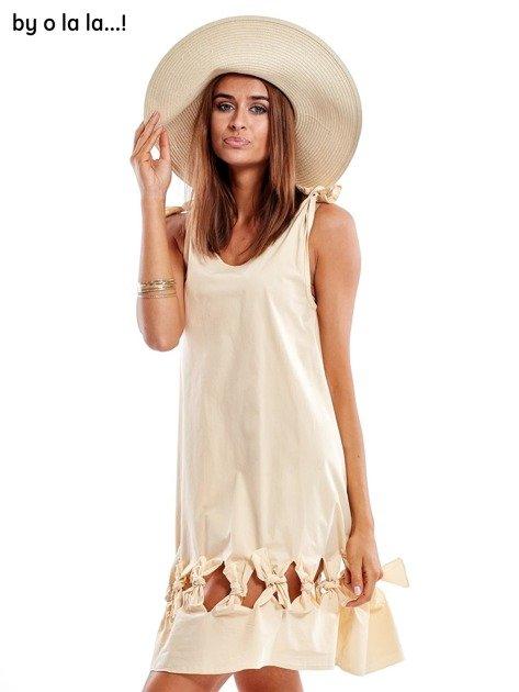 Jasnobeżowa sukienka z kokardkami BY O LA LA                               zdj.                              3