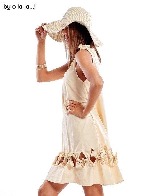 Jasnobeżowa sukienka z kokardkami BY O LA LA                               zdj.                              6