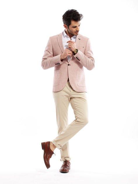 Jasnobeżowe spodnie męskie chinosy o prostym kroju                              zdj.                              4