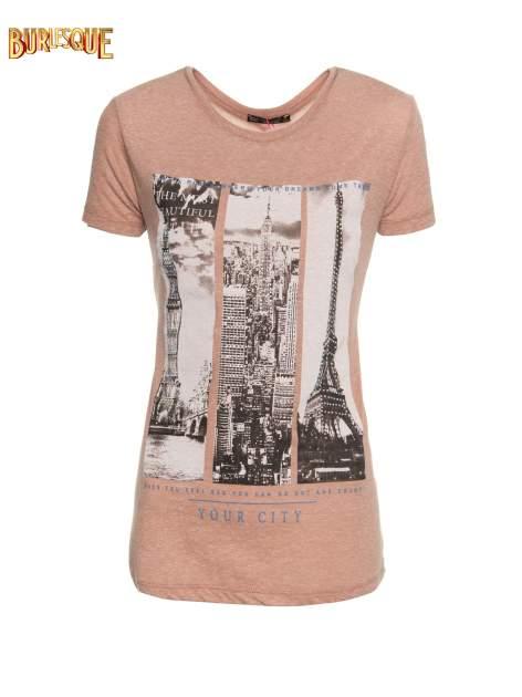 Jasnobordowy t-shirt z fotografiami miast