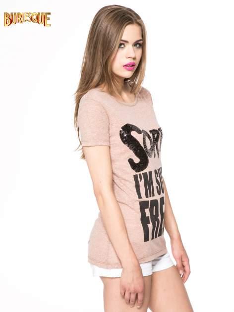 Jasnoborodowy t-shirt z napisem SORRY I'M SUPER FRESH z dżetami                                  zdj.                                  3