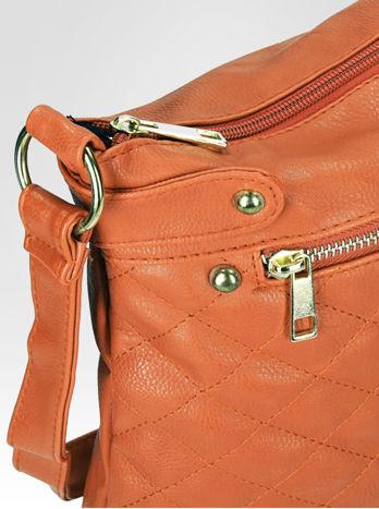 Jasnobrązowa pikowana torebka na ramię                                  zdj.                                  10