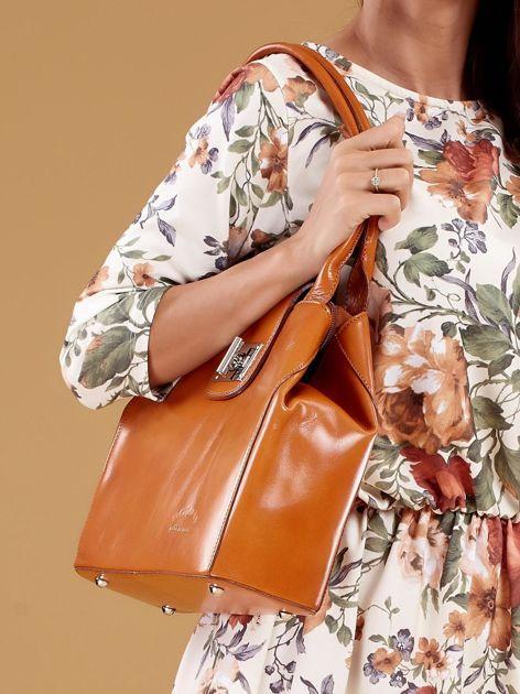 Jasnobrązowa skórzana torba damska z ozdobnym zapięciem                              zdj.                              6