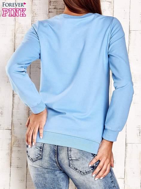 Jasnoniebieska bluza z napisem CITY GIRL                                  zdj.                                  2