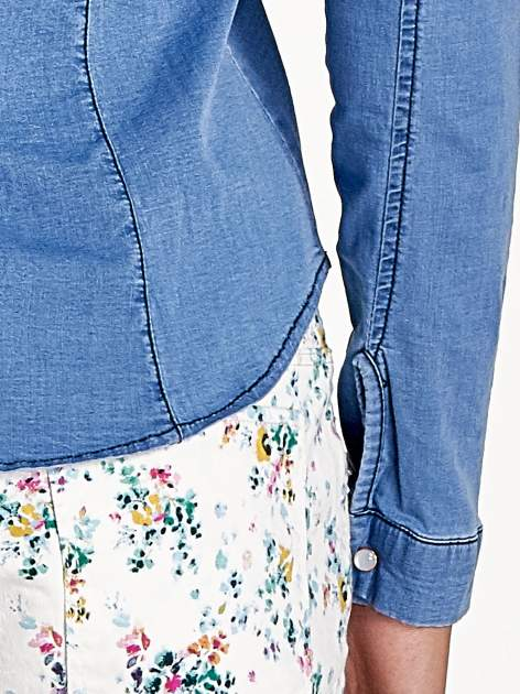 Jasnoniebieska jeansowa koszula z cieniowaniem                                  zdj.                                  7