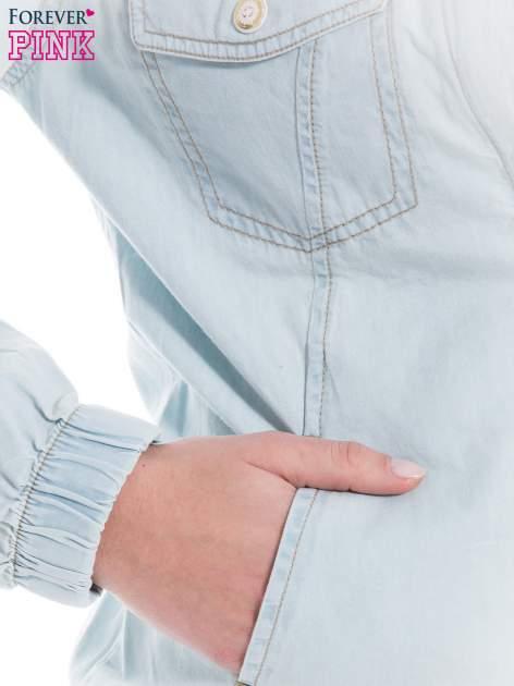Jasnoniebieska kurtka jeansowa typu bomber jacket                                  zdj.                                  7
