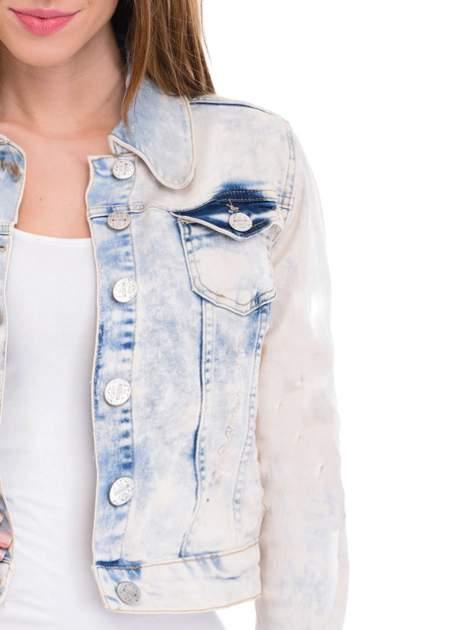 Jasnoniebieska marmurkowa kurtka jeansowa damska                                  zdj.                                  5