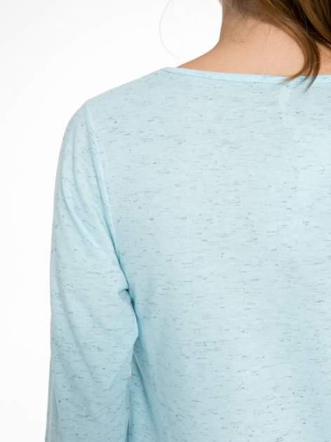 Jasnoniebieska melanżowa bluzka z rękawami 3/4                                  zdj.                                  8