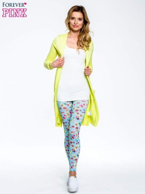 Jasnoniebieskie legginsy w kwiatki                                  zdj.                                  2