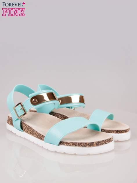 Jasnoniebieskie sandały z blaszką na korkowej podeszwie                                  zdj.                                  2