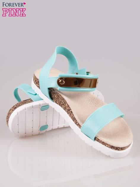 Jasnoniebieskie sandały z blaszką na korkowej podeszwie                                  zdj.                                  4
