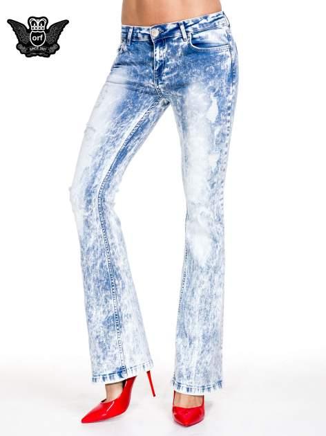 Jasnoniebieskie spodnie jeansowe dzwony typu marmurki                                  zdj.                                  1