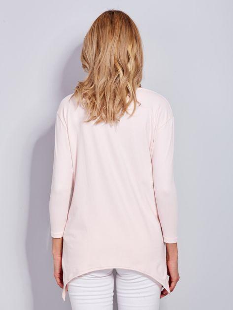 Jasnoróżowa asymetryczna bluzka z babeczką                              zdj.                              2