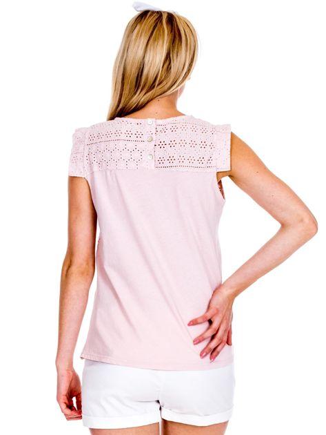 Jasnoróżowa ażurowana bluzka damska                              zdj.                              2