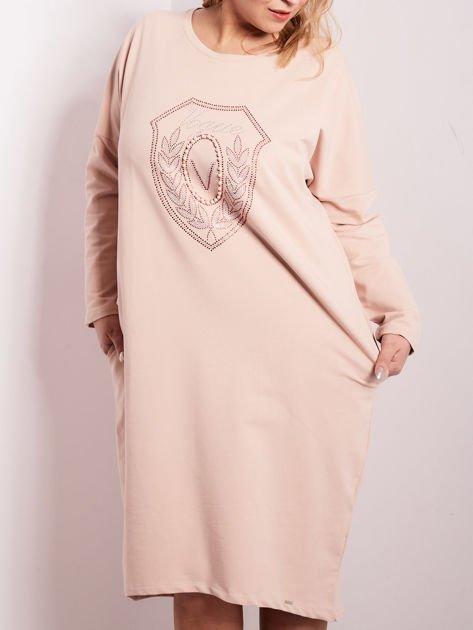 Jasnoróżowa dresowa sukienka z kieszeniami PLUS SIZE                              zdj.                              1