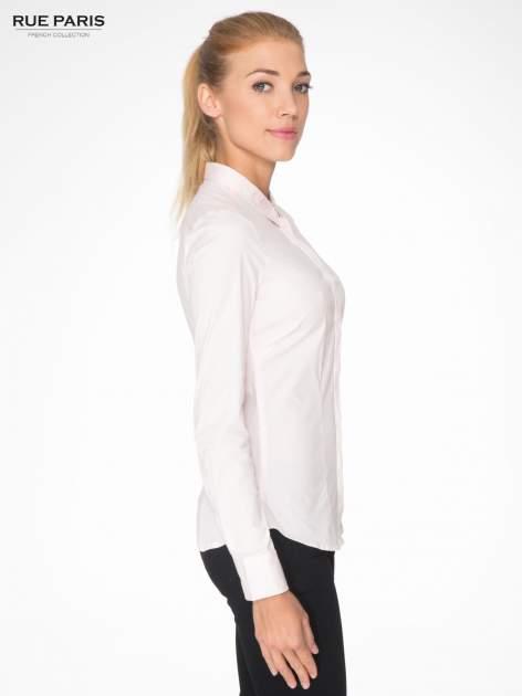 Jasnoróżowa elegancka koszula damska z krytą listwą                                  zdj.                                  3