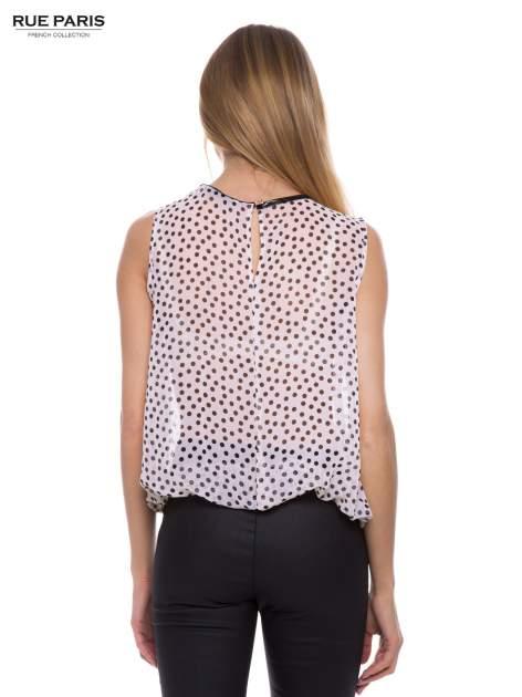 Jasnoróżowa koszula mgiełka w groszki ze skórzaną lamówką przy dekolcie                                  zdj.                                  3