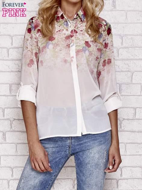Jasnoróżowa koszula mgiełka z nadrukiem róż