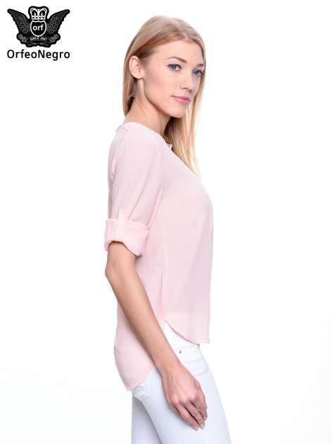 Jasnoróżowa koszula z ażurową lamówką                                  zdj.                                  5