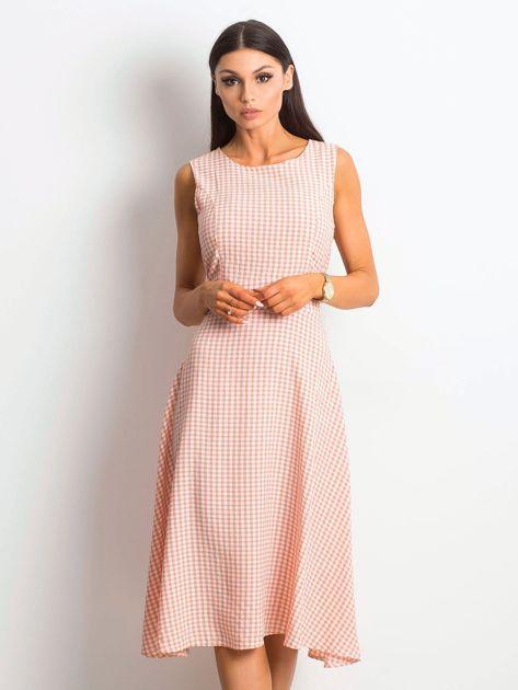 Jasnoróżowa sukienka Respected                              zdj.                              1