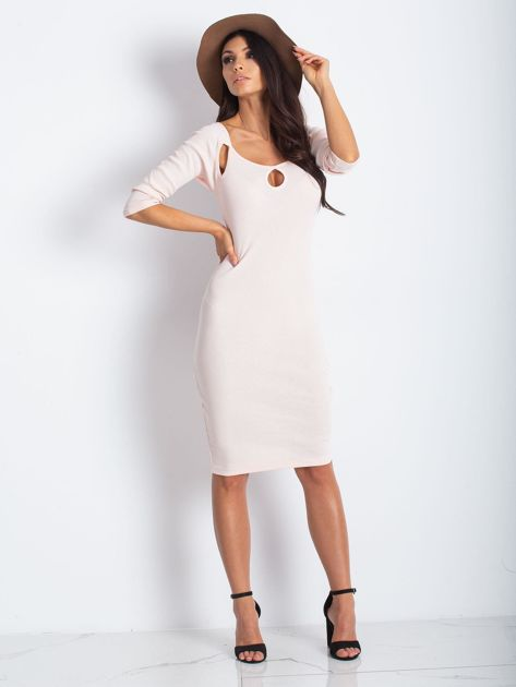 Jasnoróżowa sukienka w prążek z wycięciami                              zdj.                              2