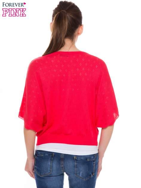 Jasnoróżowy ażurowy sweterek z krótkim rękawem                                  zdj.                                  3