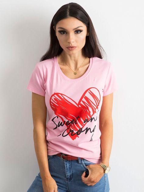 Jasnoróżowy damski t-shirt z bawełny                               zdj.                              1
