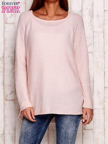 Jasnoróżowy dzianinowy sweter                                   zdj.                                  1