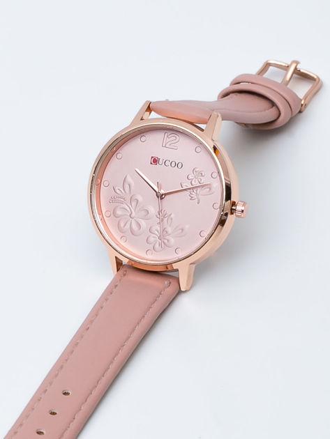 Jasnoróżowy zegarek damski z kwiatami na tarczy