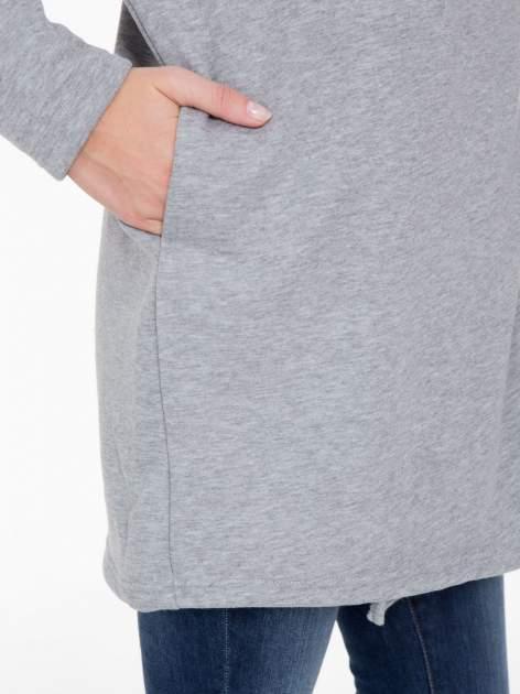 Jasnoszara bluza dresowa z kapturem i suwakiem z boku                                  zdj.                                  7