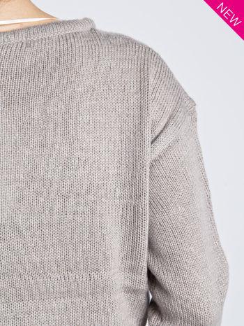 Jasnoszary sweter z sercem i nadrukiem YOU                                  zdj.                                  5