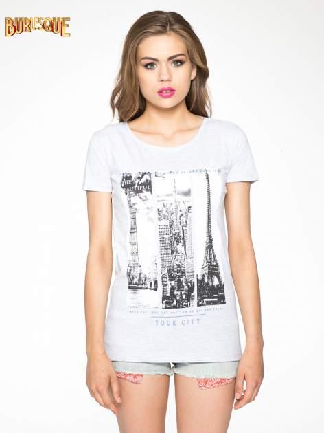 Jasnoszary t-shirt z fotografiami miast                                  zdj.                                  11