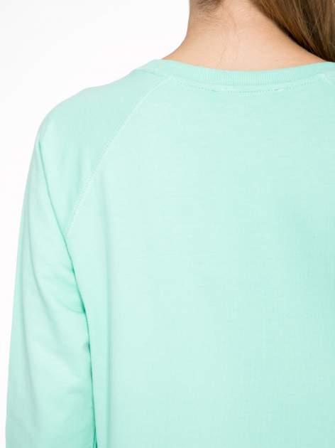 Jasnoturkusowa bluza z nadrukiem LOVE IS MY FAVOURITE COLOUR                                  zdj.                                  8