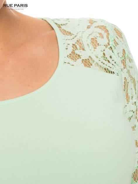 Jasnozielona bluzka z koronkowymi rękawami długości 3/4                                  zdj.                                  5