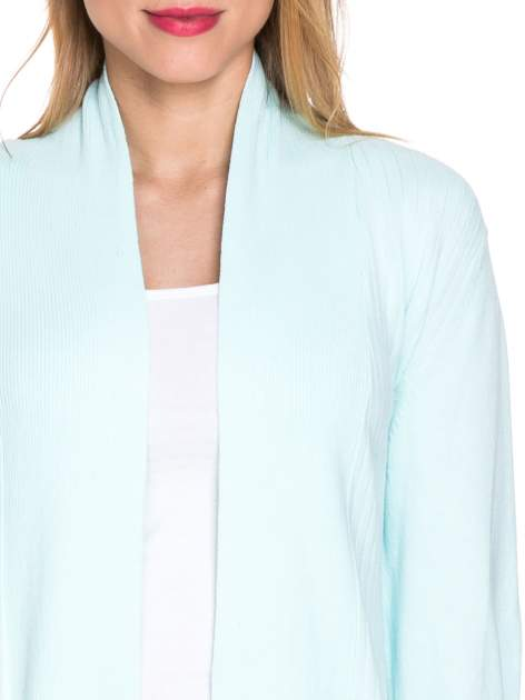 Jasnozielony sweter kardigan z podwijanym rękawami z guziczkami                                  zdj.                                  5