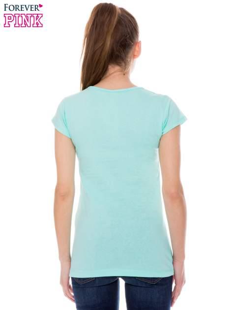 Jasnozielony t-shirt z nadrukiem w amerykańskim stylu                                  zdj.                                  3