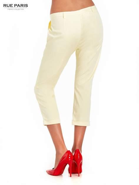 Jasnożółte eleganckie spodnie za kolano                                  zdj.                                  2