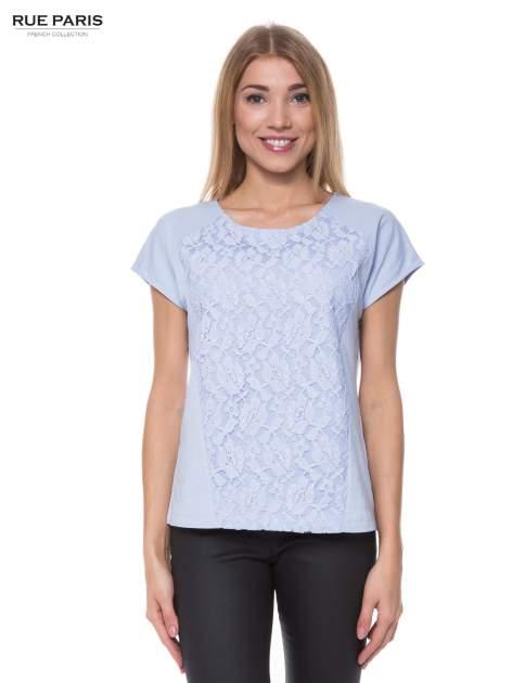 Jasoniebieski t-shirt z koronkowym przodem                                  zdj.                                  1