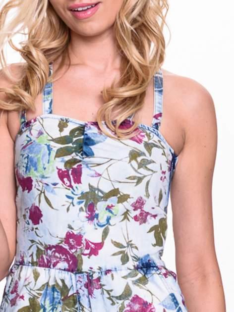 Jeansowy krótki kombinezon w kwiaty                                  zdj.                                  5