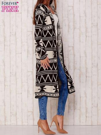 Kawowy długi sweter motywy geometryczne                                  zdj.                                  3