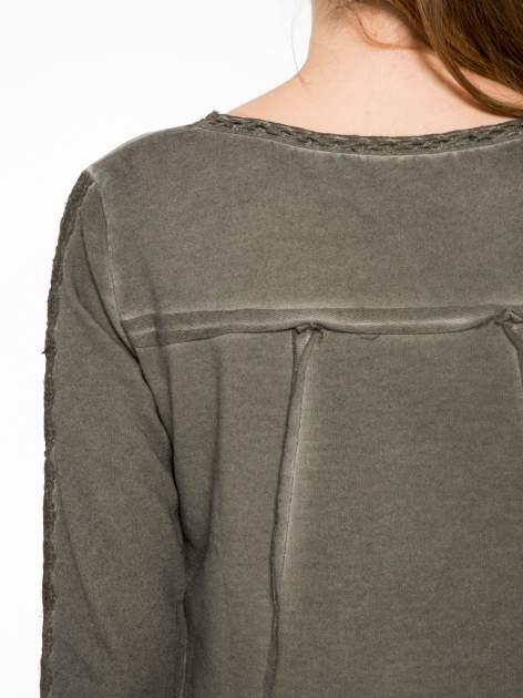 Khaki bluza z koronkowymi aplikacjami                                  zdj.                                  7