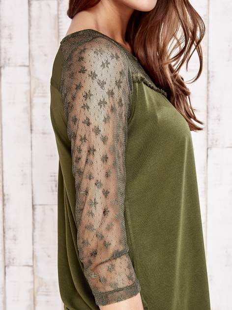 Khaki bluzka z ażurowym dekoltem i rękawami                                  zdj.                                  5
