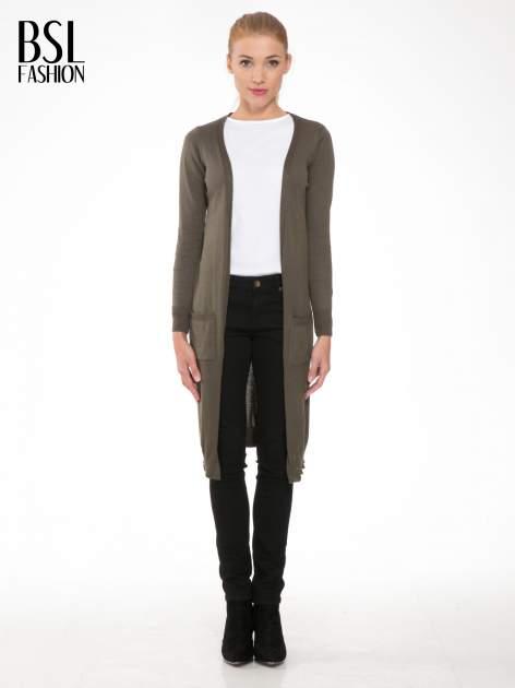 Khaki długi gładki sweter kardigan z kieszeniami                                  zdj.                                  1