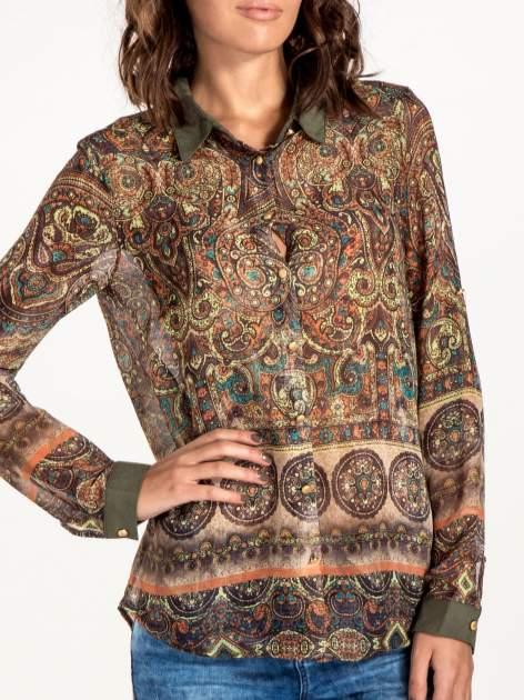Khaki koszula w witrażowy wzór                                  zdj.                                  6