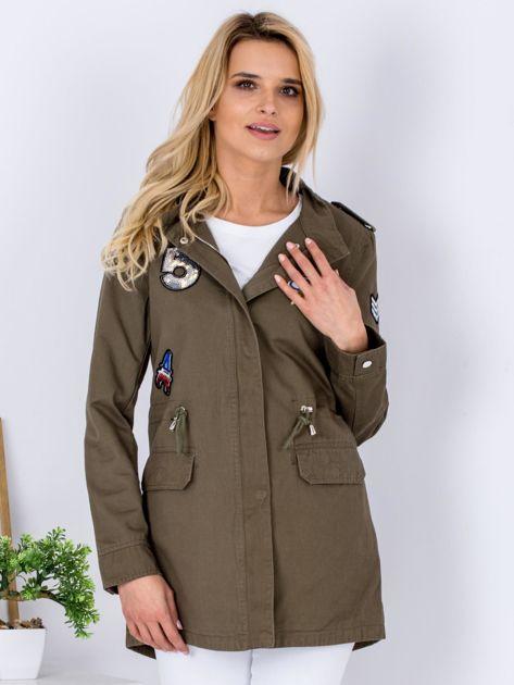 Khaki kurtka parka z cekinowymi naszywkami                              zdj.                              6