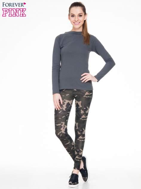 Khaki legginsy we wzór moro                                  zdj.                                  2