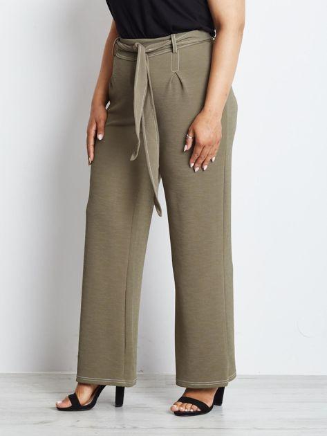 Khaki spodnie plus size Magnificent