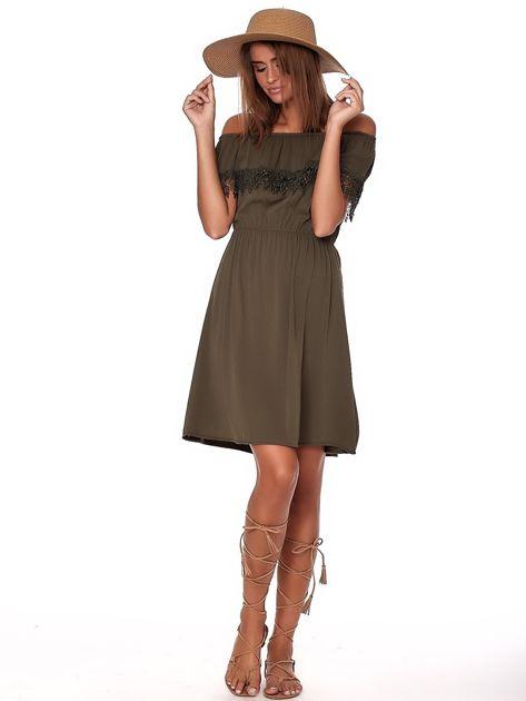 Khaki sukienka hiszpanka mini z falbanką przy dekolcie                              zdj.                              4