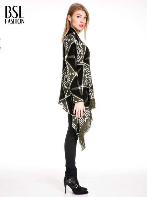 Khaki sweter narzutka w azteckie wzory z frędzlami                                  zdj.                                  3