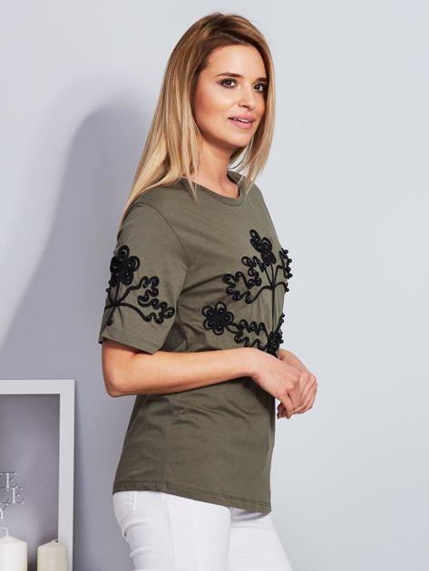 Khaki t-shirt z wypukłym haftowanym wzorem                                  zdj.                                  5